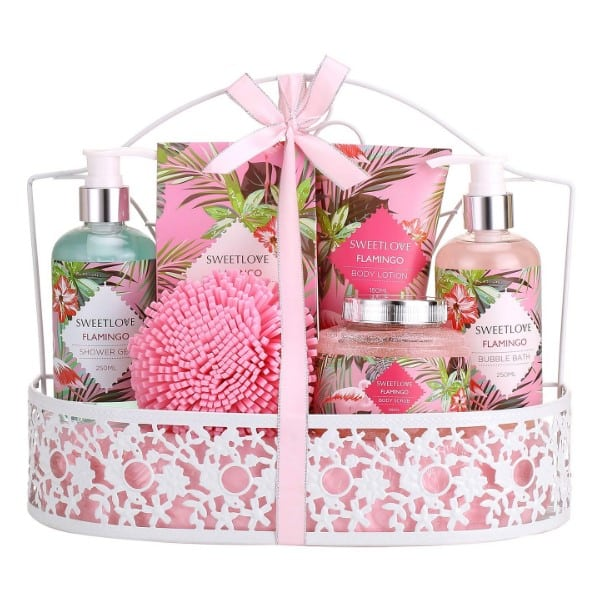 This personal care brand will help to convey your feeling to your mommy dearest in the form of Mother's day gift basket. The luxury toiletries are wrapped in an eye-catching gift basket and are made up of vegan natural friendly ingredients.